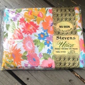 Vintage NWT Floral Twin Fitted Sheet